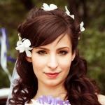 Свадебная причёска с использованием накладных прядей