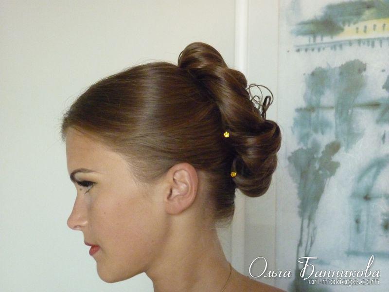 Праздничная причёска для подружки невесты.