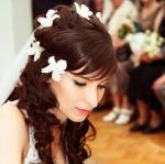 Причёска невесты на основе локонов