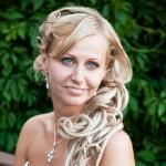 Причёска невесты Ирины с накладными прядями
