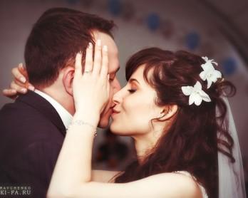 Свадебная причёска с орхидеями