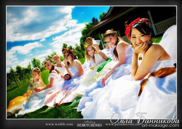 Девушки-невесты участницы Парада невест - 2009 года.