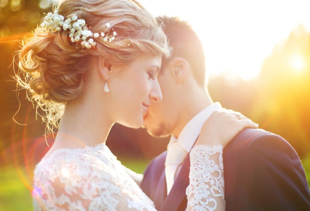 Собранные свадебные прически